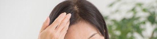 女性の頭頂部の薄毛